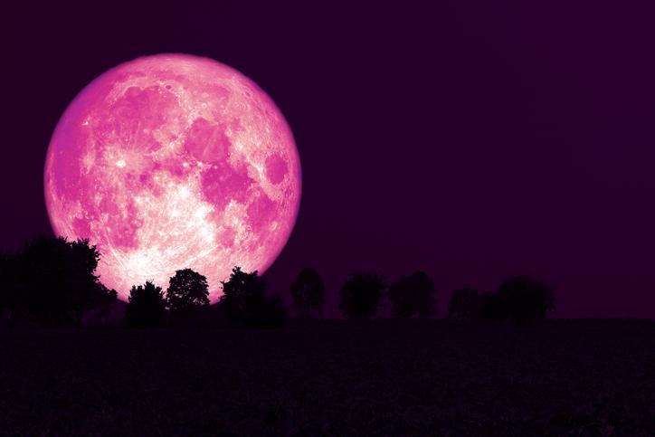 6月の満月「ストロベリームーン」はこの後すぐ!上半期最後の満月で気持ちをリセットしよう!