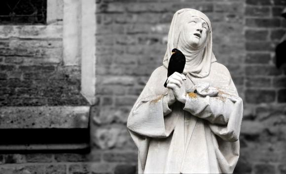 写本の余白の書き込みから発覚。自分の死を偽装した14世紀の修道女(イギリス)