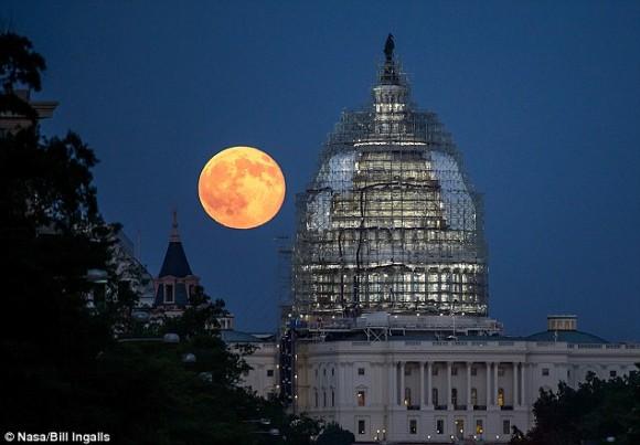 9月28日11時、今年最大の巨大な月「スーパームーン」が皆既月食と共にやってくる!お天気の神様、願いを叶えて!