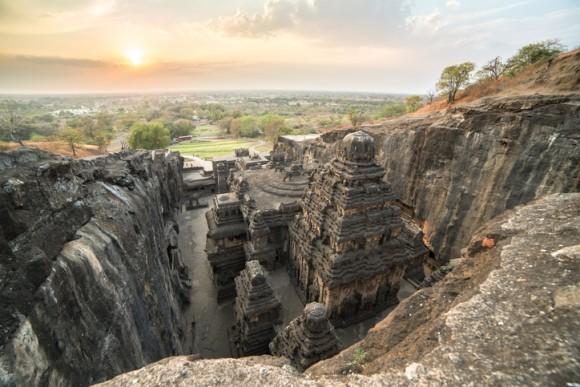 カイラーサナータ石窟寺院