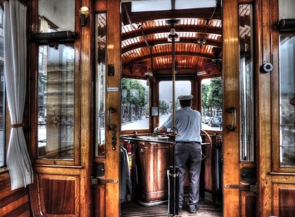 old-tram-2315501_640_e