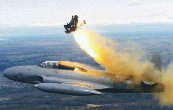 fascinating_pilots_ejections_640_03