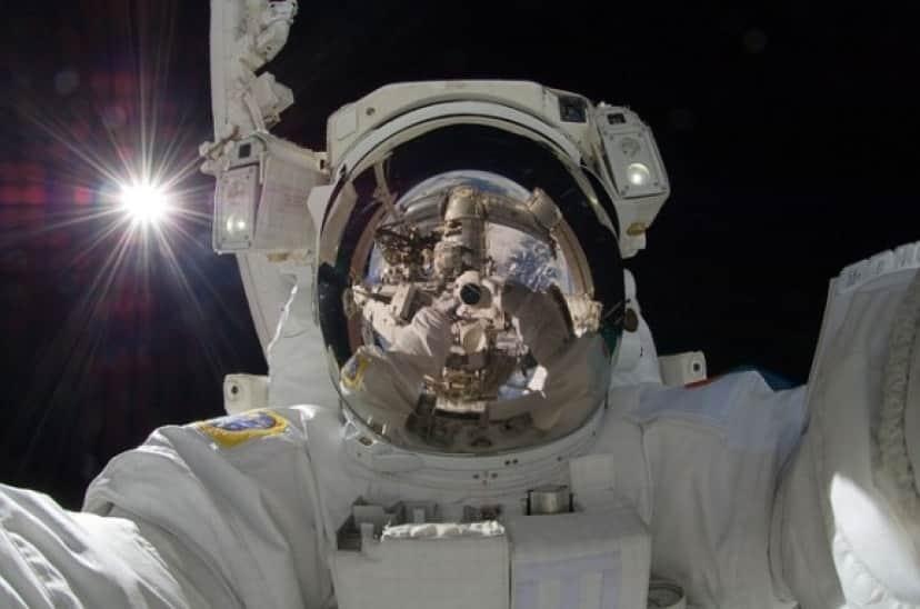astronaut-877306_640_e