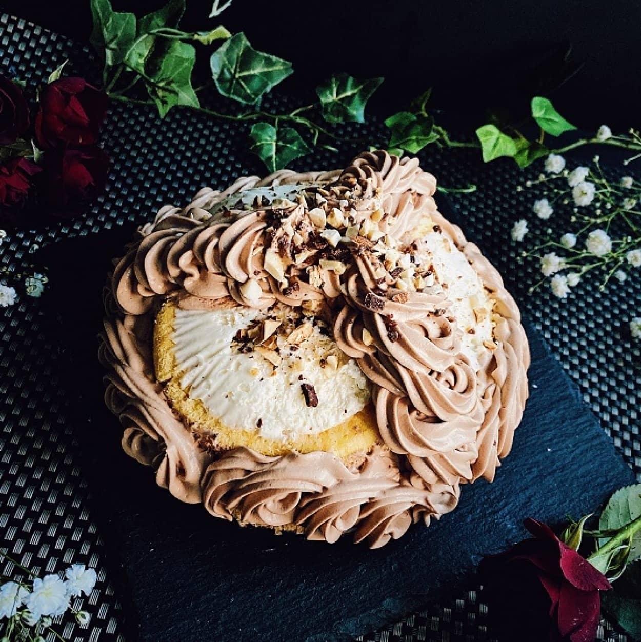 市販のロールケーキで作るバナナチョコケーキ