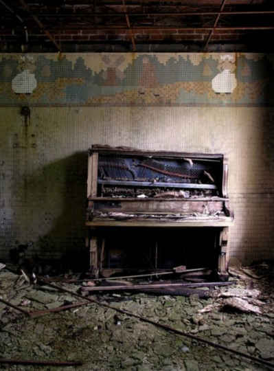 urban_decay_photography_24
