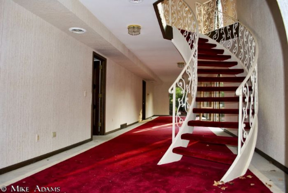 abandoned_mike_tyson_mansion_07