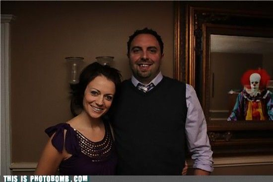 photobomb-that-guy-great-picture-horrible-ending_e