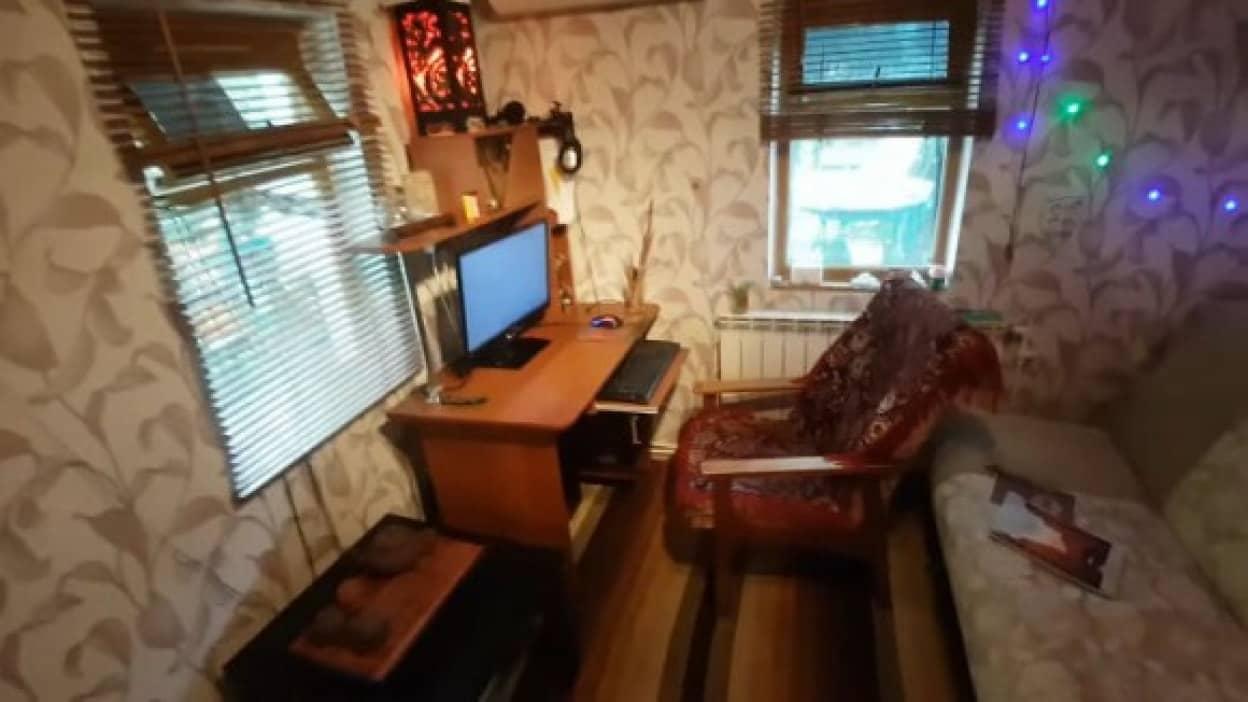 ロシアのお宅訪問、家賃1万円の物件案内