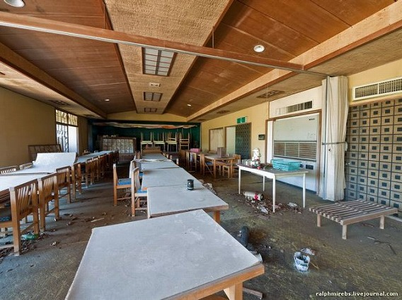 an_abandoned_hotel_in_japan_640_27