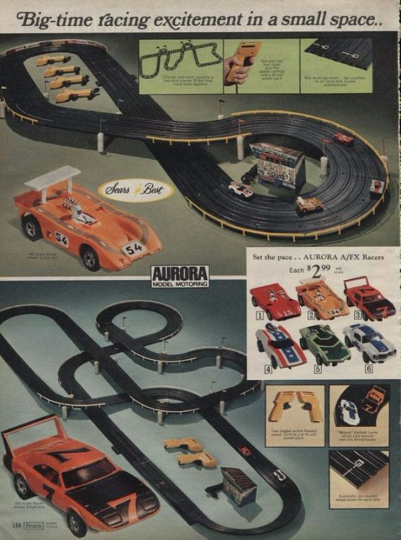 4 Car Model Car Racing Track_e