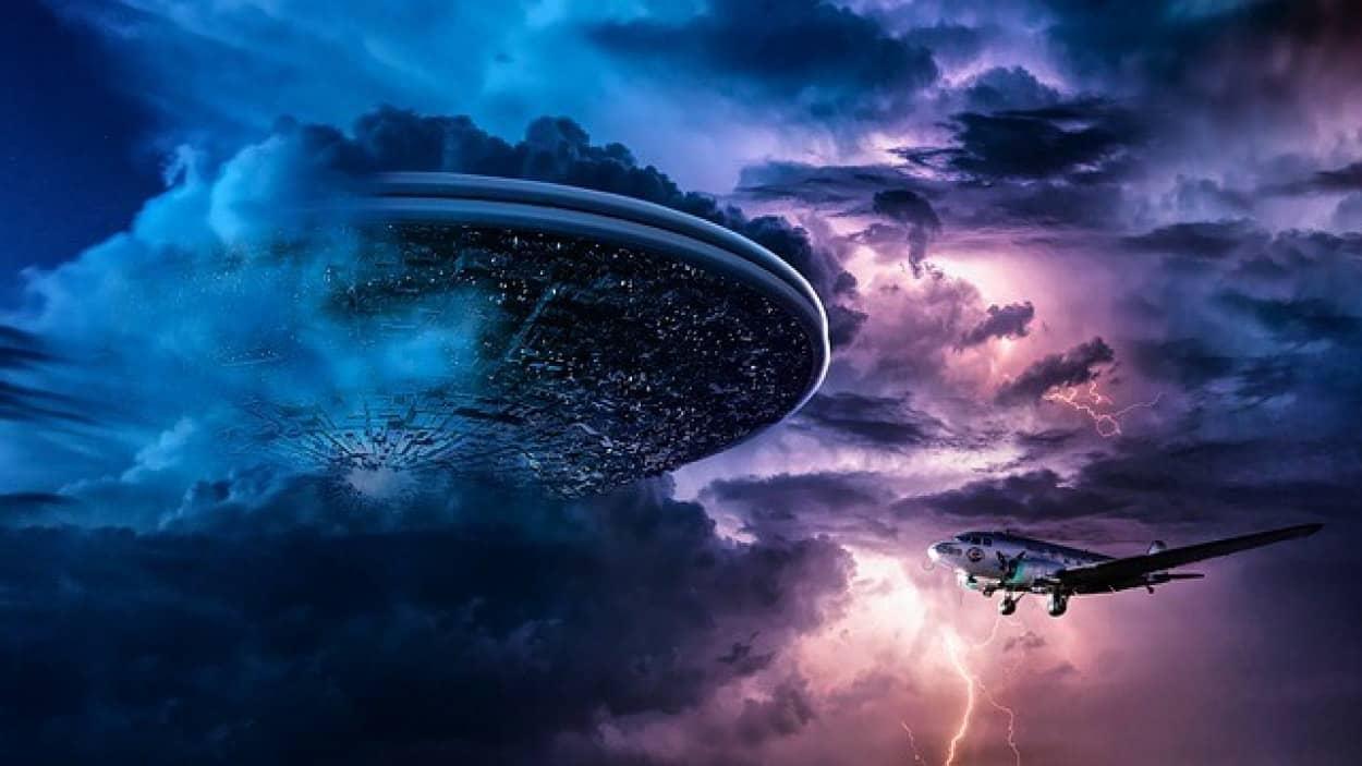 spaceship-6193939_640