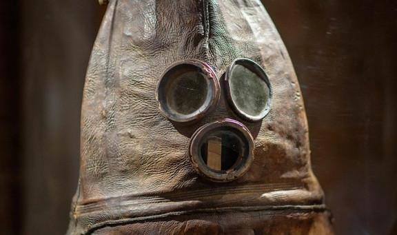 世界で最も古いダイビングスーツ「ヴァンハ・ヘッラ」がゆるキャラみたいなかわいさを醸し出していた