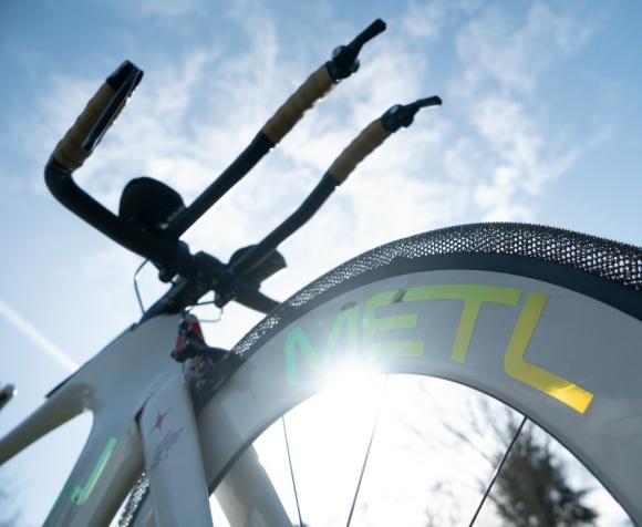 もう自転車のタイヤの空気を気にする必要はない!一生空気入れ不要のエアレスタイヤが開発。2022年に発売予定