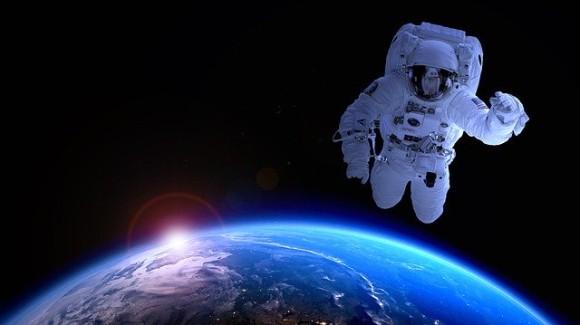 宇宙飛行士に銃が必要な理由(ロシア)