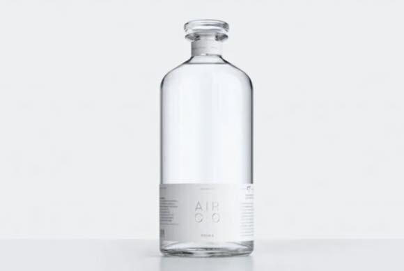 大気中の二酸化炭素と水から作ったお酒が誕生。植物の光合成をヒントに開発されたウォッカ(アメリカ)