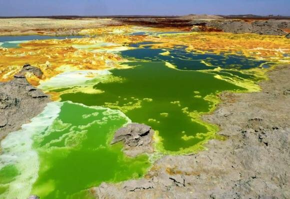 地球上で一番生命の少ない場所は?生物が住める限界を調査(エチオピア・ダナキル砂漠)