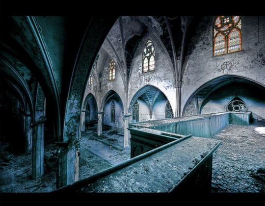 urban_decay_photography_44