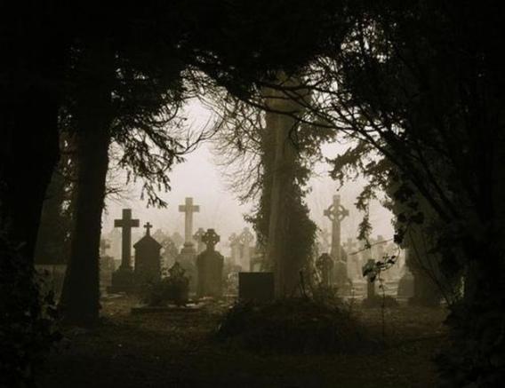 graveyard_scenes_640_33