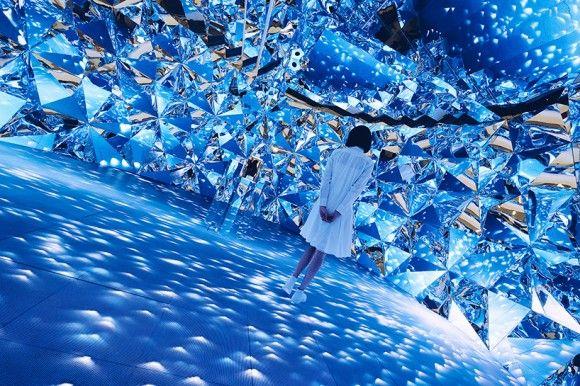 ダイヤモンドだね~!落ち着かないけど入って見たい、ダイヤモンド構造に満ち溢れた部屋(上海)