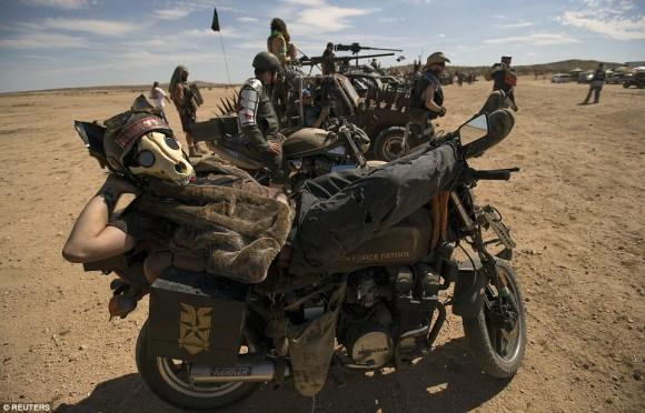映画「マッドマックス」の世界がそのままにリアルで再現されるヒャッハーなイベント「ウェイストランド・ウイークエンド(Wasteland Weekend)」