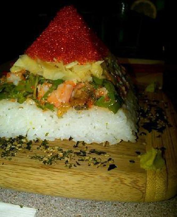 sushi-pyramid
