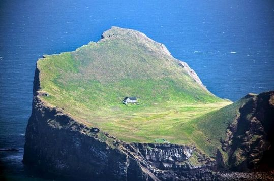 secluded_houses_08