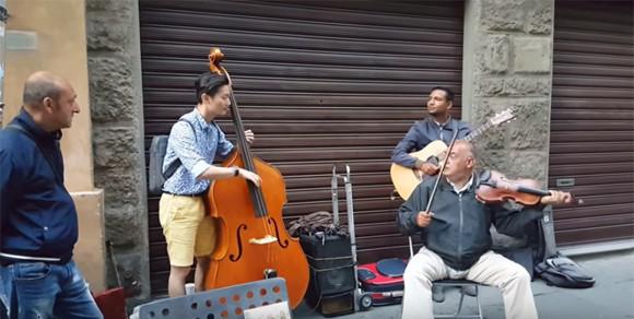 音楽に国境も人種もない。イタリアの路上で音がつないだ感動のハーモニー