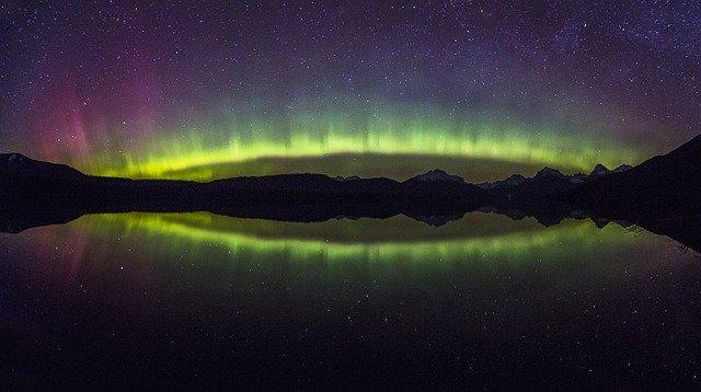aurora-borealis-1002259_640