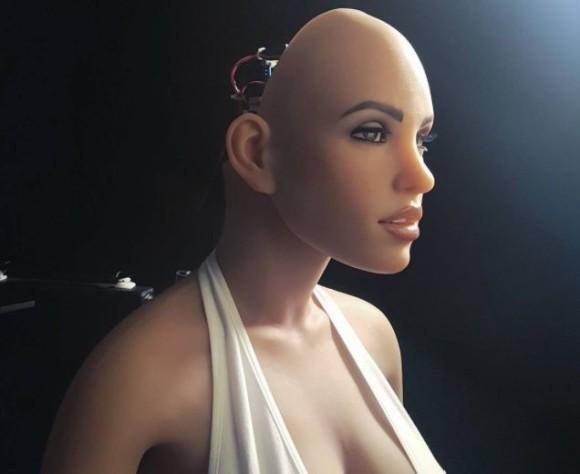 進化する人工知能ラブロボットに専門家が警告。ハッキングされたら所有者を襲う「キラー・ラブロボット」になる可能性