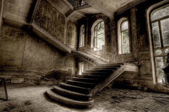 urban_decay_photography_17