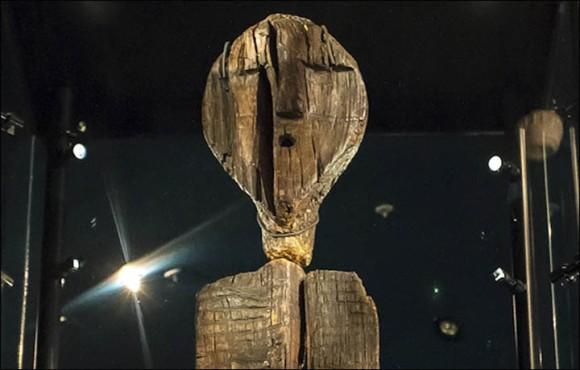 古代文明の歴史を覆すかもしれない!ロシアで発見された「シギルの偶像」は世界最古の木造彫刻であることが判明(共同研究)
