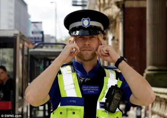 一度その顔を見たら忘れない。驚異の記憶力を持つ警官、4年間で850人以上の犯人を特定(イギリス)