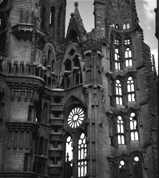 temple_expiatori_de_la_sagrada_familia_in_barcelona_04