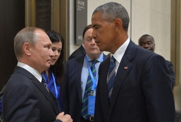番組の途中ですがプーチンです。一触即発、G20サミットでプーチンとオバマがガンの飛ばしあいをしていたシーンがコラ化