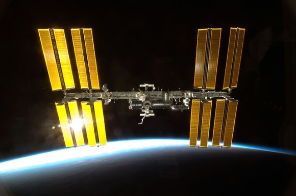 iss-600459_640_e
