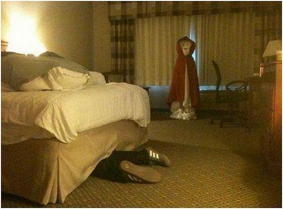 Hilarious-Hotel-Maid-Scare-Pranks-4