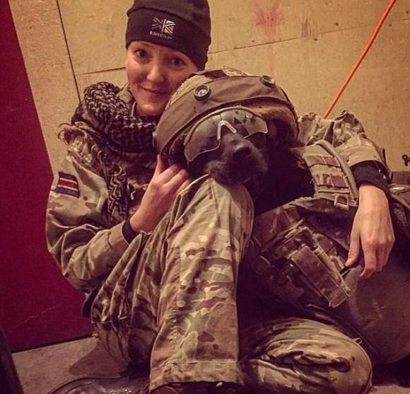 アフガニスタンで大勢の人を救ってきた軍用犬が、任務後安楽死の危機に直面。兵士らが犬たちを救うための嘆願書を提出(イギリス)