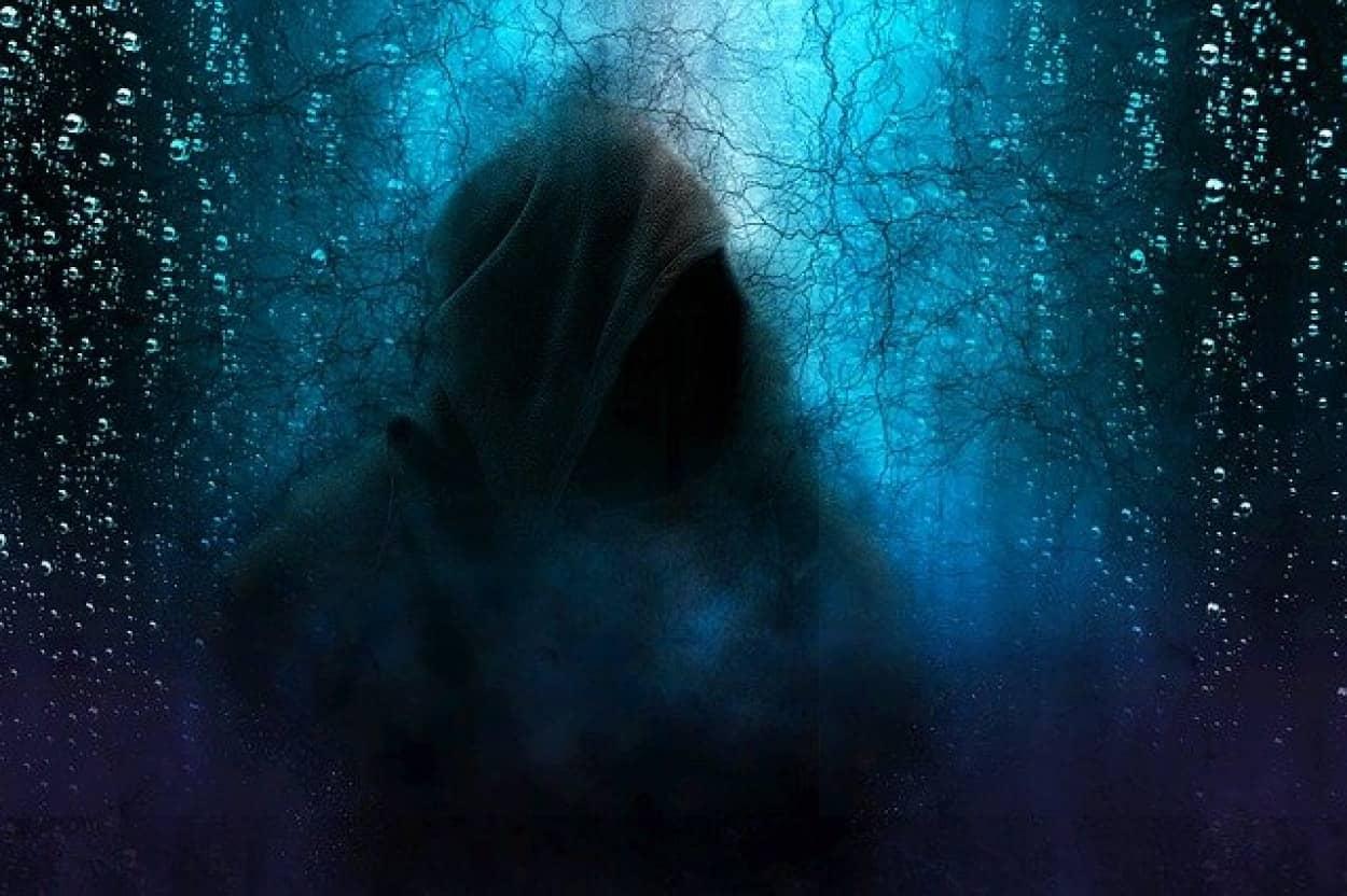 暗闇が怖い理由が明らかに。脳のメカニズムの問題だった