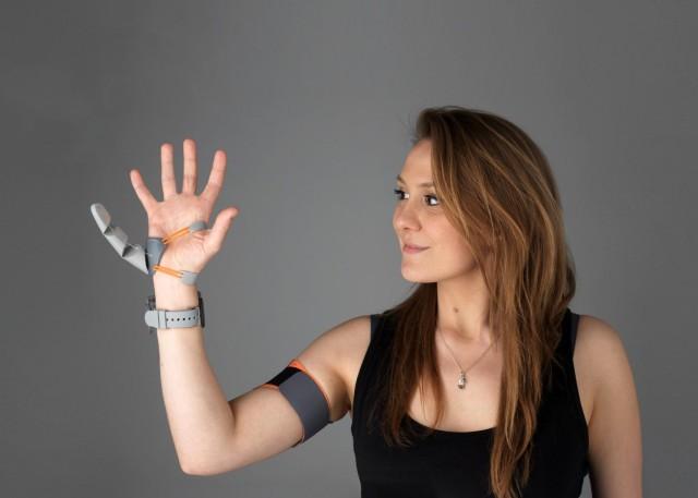 もしも指が6本あったら人間の脳はどのように反応するのか?