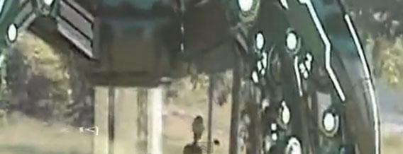 中国の森林にUFOが着陸!?宇宙人の姿をもとらえた映像が公開される。