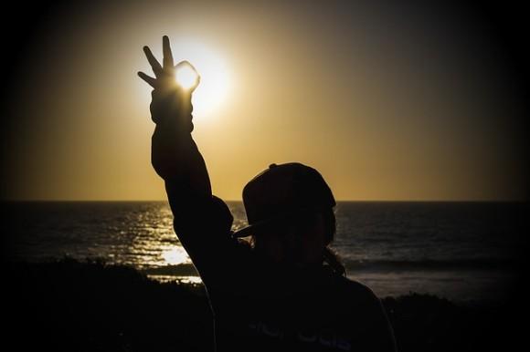 いつも不平・不満ばかり。愚痴るのをやめれば人生はがらっと変わる。科学的根拠にもとづいた楽しい人生を送るための7つの方法