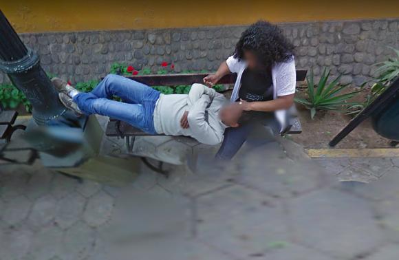 グーグルストリートビューで妻の浮気が発覚。ロマンチックなデートスポットで別の男性を膝枕していた件について