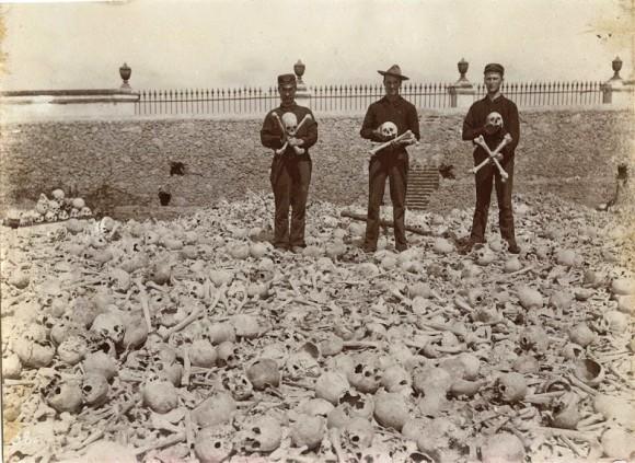 20万体もの遺骨が野ざらしにされていた、敷き詰められた骸骨の山。キューバのコロン墓地