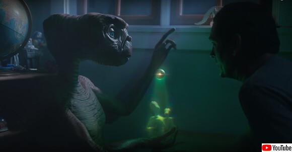 あれから37年後、ETが地球にGo home!エリオットと再会を果たすCMに世界が感涙!