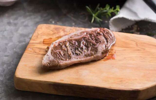3Dプリンターの培養肉、リブロースステーキ