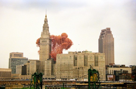 150万個の風船を空に飛ばした1986年のアメリカ・バルーンフェスト。あの大惨事はどうして起きたのか? : カラパイア
