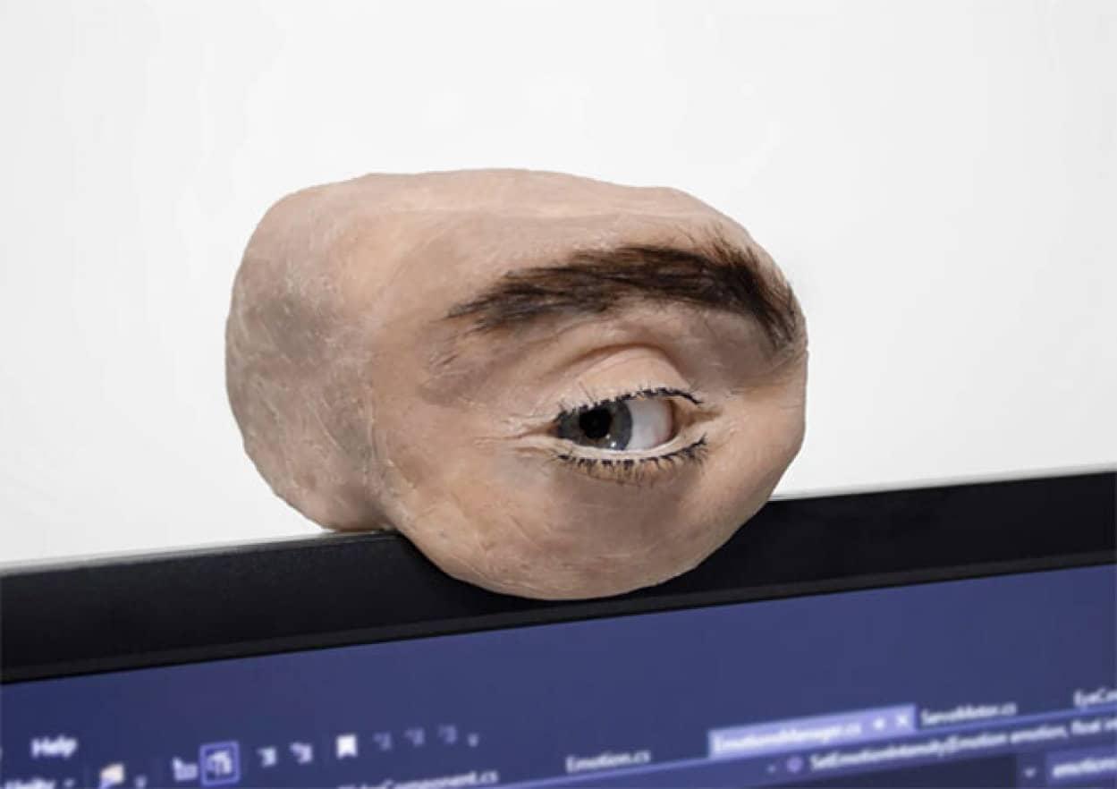 人の目そっくりに再現したウェブカメラ