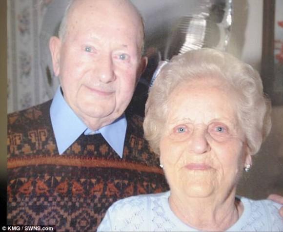 永遠につながる愛ってこういうことかも。同じ日に亡くなった77年間寄り添った熟年夫婦のラブストーリー(イギリス)