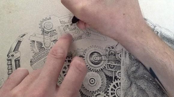 まるで人間プリンターのように描き上げていく。機械と甲殻類を融合させた緻密なるイラスト「メカニカル・バイオロジカル」