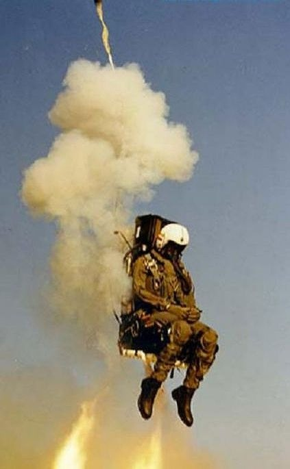 fascinating_pilots_ejections_640_high_09